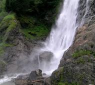 Wanderung zum Wasserfall Longfall